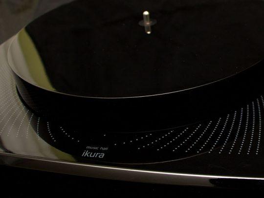 ikura black (closeup)